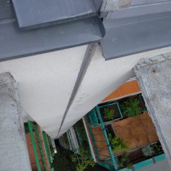 Výškové práce -zatmelení spáry panelového domu 12pater